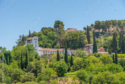 Fotomural Generalife Palace and Silla del Moro watchtower in Granada, Spain