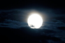Une Pleine Lune