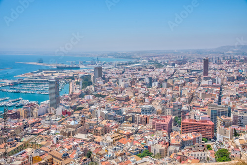 Fotomural Aerial view of Spanish city and port Alicante