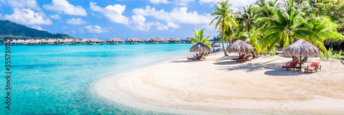 Fotografiet Bora Bora Island, French Polynesia. Web banner in panoramic view.
