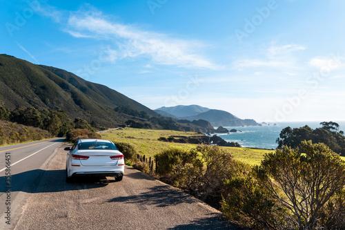 Obraz na plátně A white car on Highway 1 in California