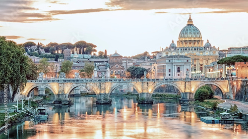 The city of Rome at sunset Fototapete