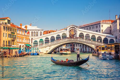 Obraz na plátně Gondola on Grand canal near Rialto bridgein Venice, Italy