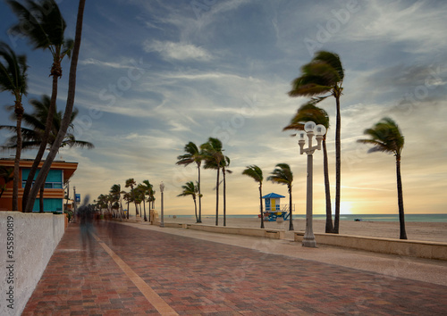 Obraz na plátne Beautiful sunrise Hollywood Beach FL USA