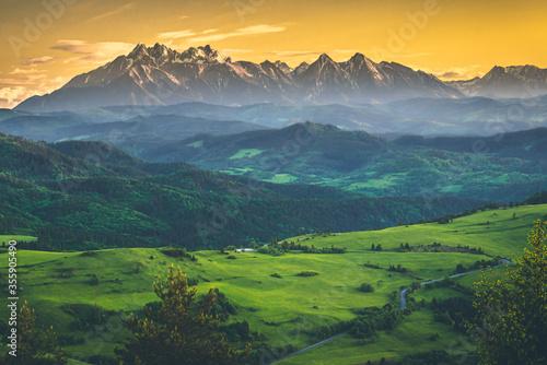 Widok na Tatry z Wysokiego Wierchu, Pieniny, Polska, Słowacja