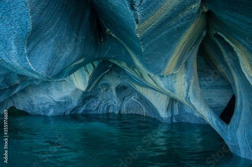 Obraz na plátne Catedreles de Marmol  Lago General Carrera  Regin de Aisen  Marmol  roca
