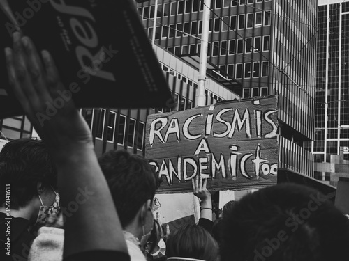 Fotografie, Obraz Protestors chanting passionately during the BLM protest in Sydney 2020