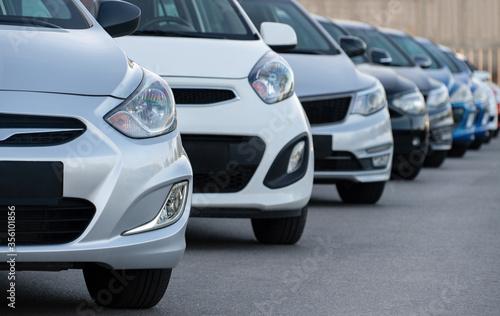 Fototapeta Cars in a row. Used car sales obraz na płótnie