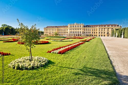 Fototapeta Vienna Schlossberg castle gardens view obraz