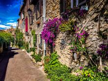 Une Rue Provençale
