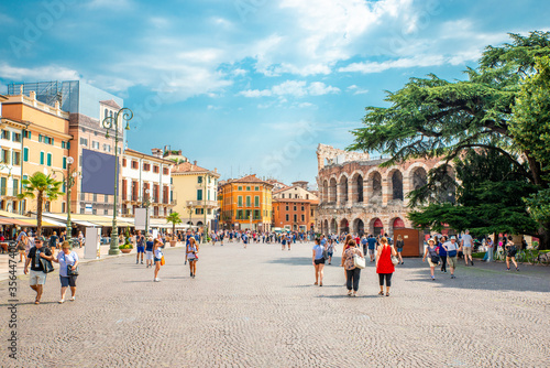 Beautiful daylight summer atmosphere in Piazza Bra with the Arena di Verona, amp Fototapete