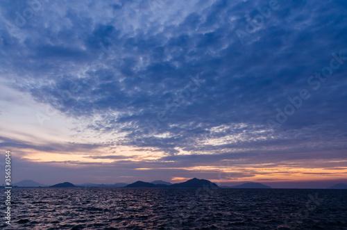 雲の多い海の風景 Canvas Print