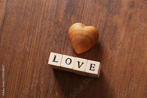 Foto 木製のハート、愛情
