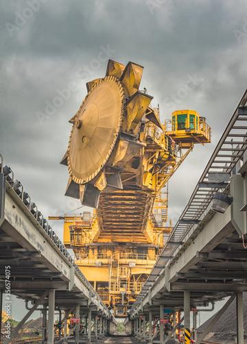 Fotomural Coal mining machinery 4
