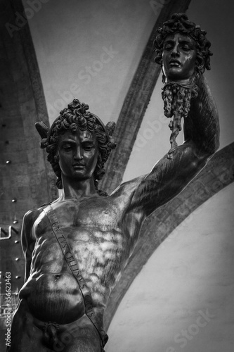 Sculptures in Italy Canvas-taulu