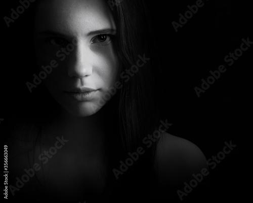 Fototapeta Creepy female portrait obraz