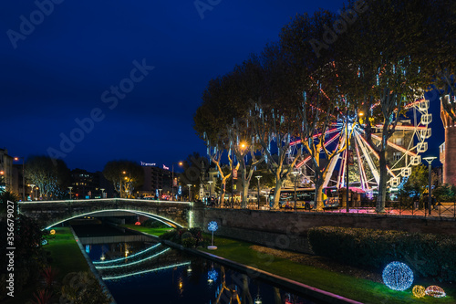 Fototapeta Le Castillet in Perpignan on Christmas night, France. obraz na płótnie
