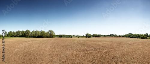 Fotomural farmland near the small essex village of chappel in essex