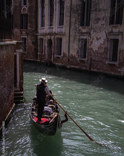 Gondolero de Venecia Fototapet