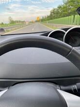 Armaturen Eines Autos Im Straßenverkehr