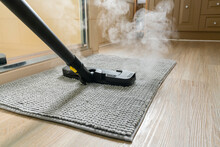 Cleaning Bathroom Mat Using St...