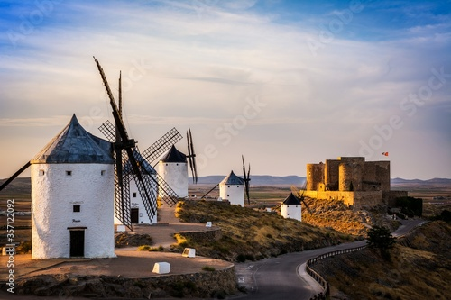 Fototapety, obrazy: Castle and Windmills of Consuegra .