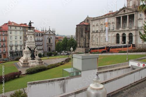 Slika na platnu stock exchange palace and infante monument in porto (portugal)