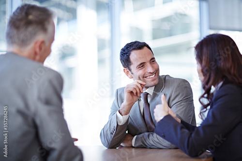 Obraz na plátně Business people talking in meeting