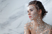 Unusual Makeup And Face Art Wi...