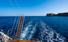 Small Fishing Boat Alone In De...