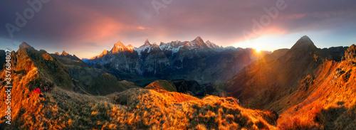 Obraz Chamonix Mountain Peaks - fototapety do salonu