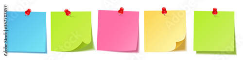 Obraz Realistic blank sticky notes isolated on white background. Colorful sheets of note papers with push pin. Paper reminder. Vector illustration. - fototapety do salonu