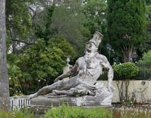 Estatua De Aquiles Herido En El Achileion De Corfú