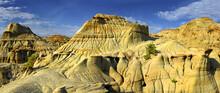 Badlands In Dinosaur Provincia...