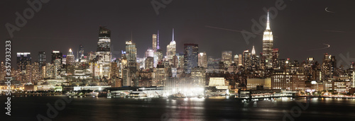 Tablou Canvas Panoramic night view of Manhattan skyline from Jersey City