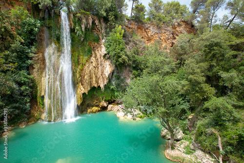 Obraz na plátně Cascade de Sillans (also written as Sillans la cascade) is one of the most beaut