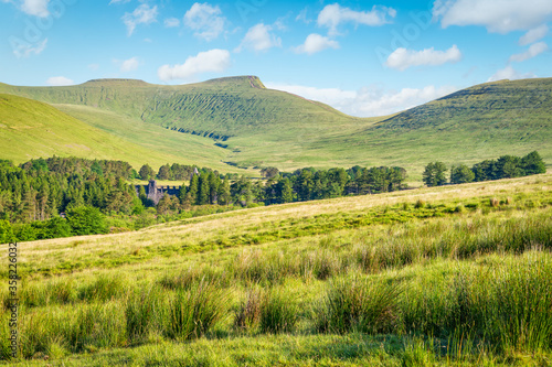 Valokuvatapetti View to Pen y Fan -  the highest peak in south Wales, situated in the Brecon Beacons National Park