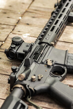 AR15 Automatic Assault Rifle W...