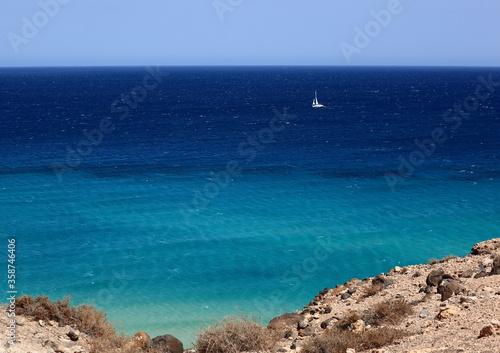 Grand bleu des îles Canaries #358746406