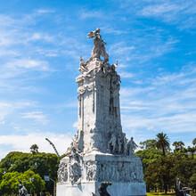 It's Statue Of The Avenida Del...