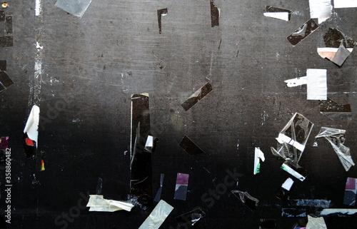Fotomural Leeres Schwarzes Brett mit Resten von Klebestreifen