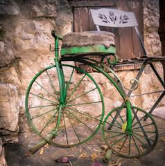 Fototapeta na wymiar Old Bike in street