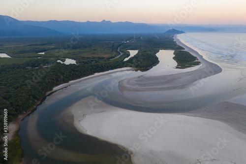 vista do encontro das aguas do rio itaguare com o mar Canvas Print