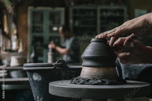 Obraz Artisan potter making art pot handicraft - fototapety do salonu