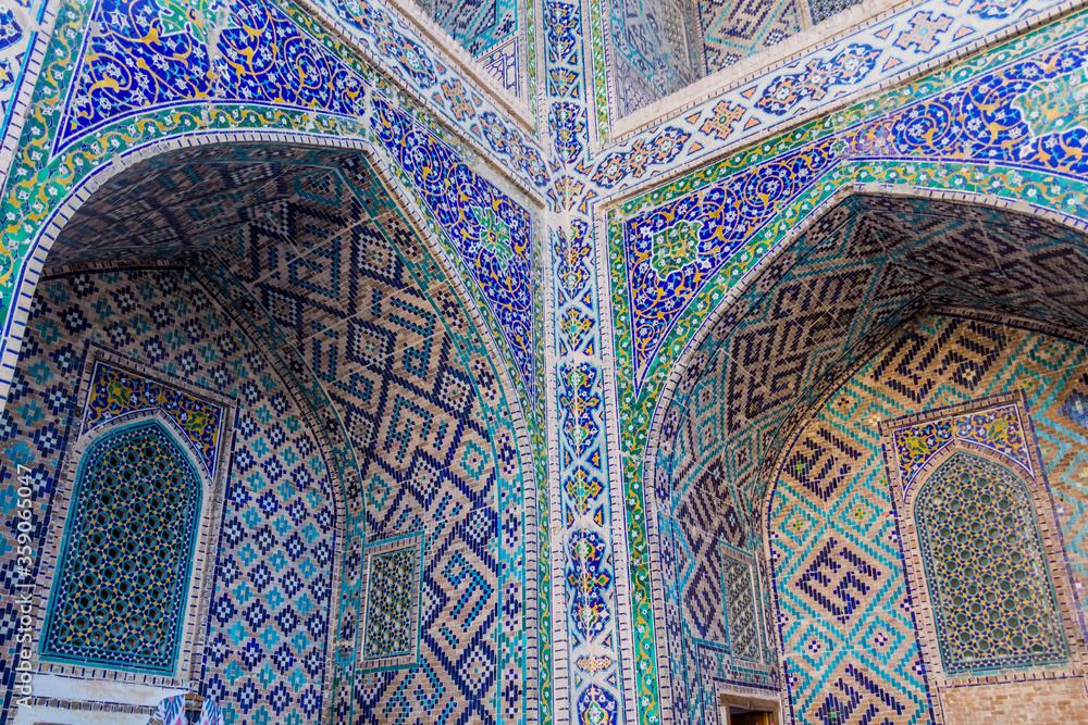 Fototapeta Detail of Sher Dor Madrasa in Samarkand, Uzbekistan