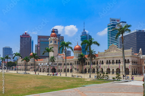 Photo The Sultan Abdul Samad Building on the Independence Square which houses the Mini