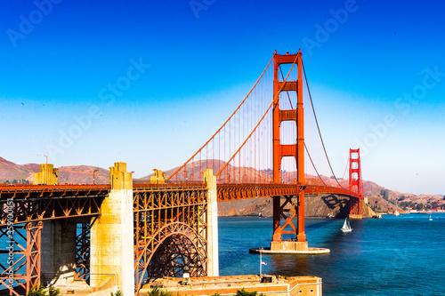 Fototapeta It's Golden Gate Bridge between San Francisco Bay and the Pacific Ocean, San Fra