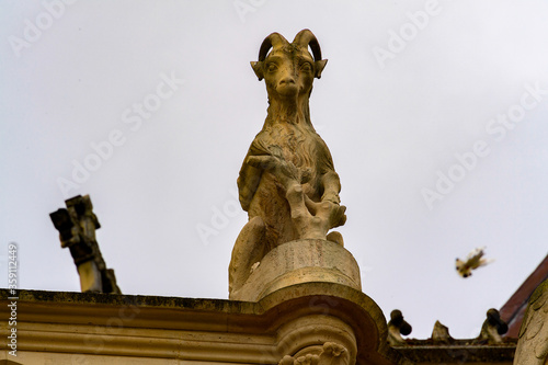 Canvas Print Gargoyle in Reims Cathedral (Notre-Dame) is a Roman Catholic church in Reims, Fr