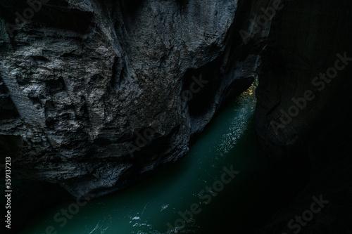 Obraz na plátne Impressive Aareschlucht, Gorge Aare, Aare Canyon, gorges de l'Aar, Switzerland