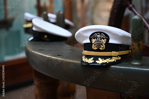 Fototapeta US navy officer hat
